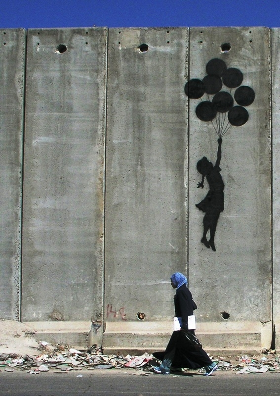 banksy-westbank-wall-balloon-girl1